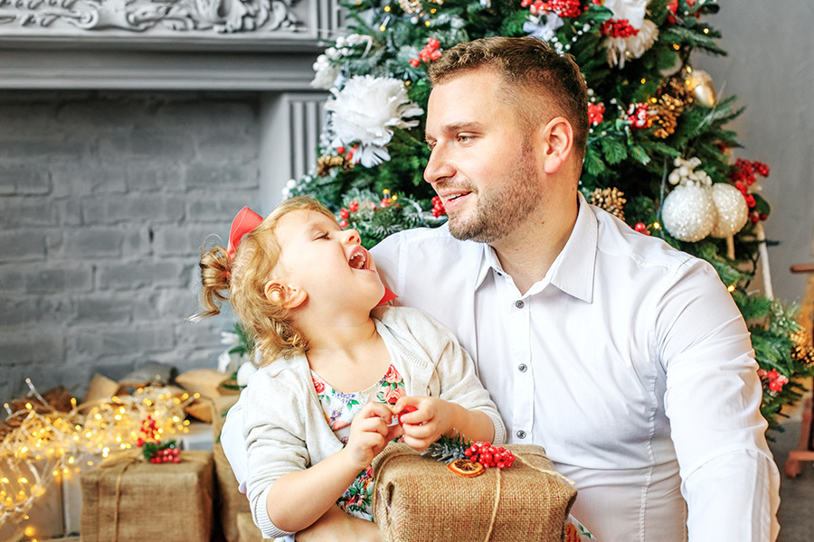 Christmas tips for single fathers with kids